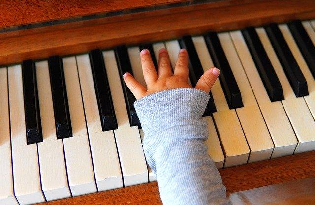 האם כל ילד יכול לנגן בכלי כל שהוא?